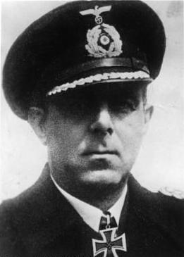 El comandante Hellmuth Heye. Durante la invasión de Noruega estuvo al mando del Hipper, y luego mandó la flota del eje en el mar Negro.