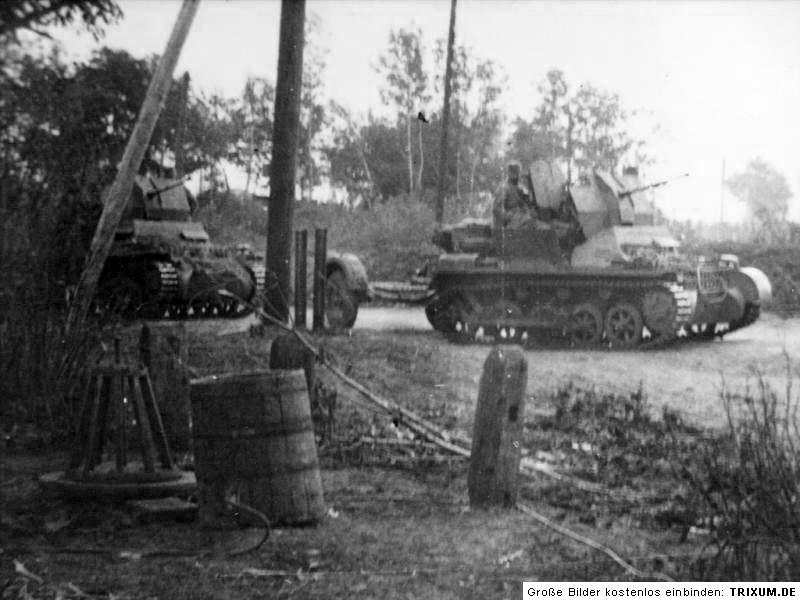Aquí tenemos un 2 cm Flak 38 Flakpanzer auf Pz I Fla. Aunque nuestro cuerpo no dispuso de estos vehículos, el montaje de la pieza antiaérea sobre un chasis de panzer I tiene cierto interés.