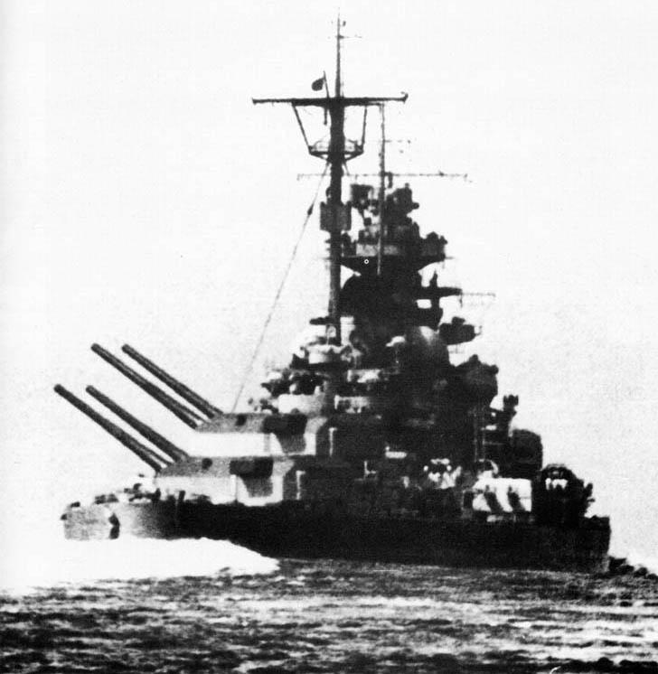 El acorazado Tirpitz, florón de la Kriegsmarine.