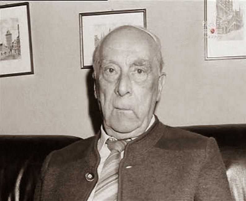 Wihelm Mohnke, ya mayor. Falleció en 2001, Fahey lo haría seis años después.