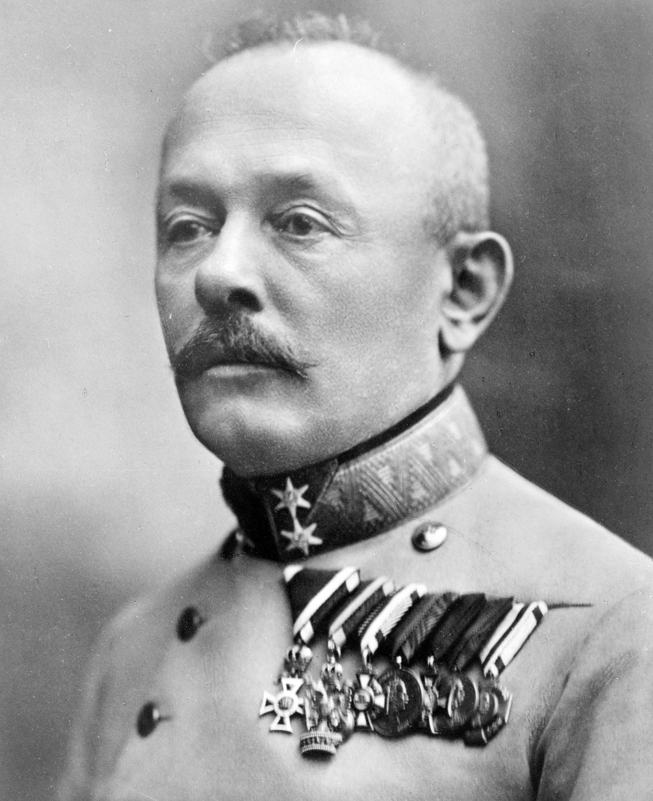 """Svetozar Boroevic von Bojna fue uno de los mejores generales defensivos de la guerra. Enérgico y cabezota, sus amigos lo llamaban el """"Caballero de Soca"""". Entre estos no se encontraba el Jefe de Estado Mayor austríaco Von Hotzendorff."""